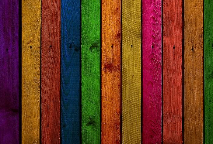 Farba na drevo v interiéri aj exteriéri